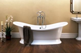 Badkaret kommer från Crystal bad & spa och heter Marlborough