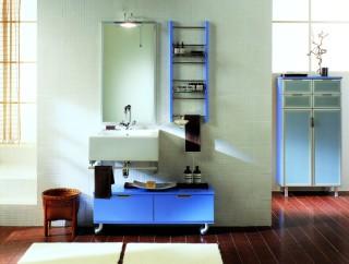 Vabenes italienska badrumsmöbler tillverkas av BTM.