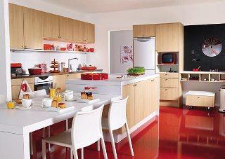 Köket kommer från Marbodal och heter Version Ljus EK