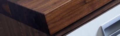 Bilden är hämtad från LG Kollection och visar en av deras extra tjocka, massiva träskivor